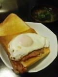 朝ごはんはトーストで